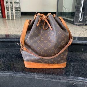 🔅💯 Authentic Louis Vuitton Noe GM